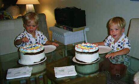 Robert & Glenn birthday (59 kbytes)